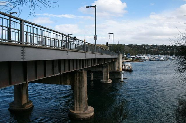 Spit Bridge from the north-west, Middle Harbour, Sydney (Wikipedia)