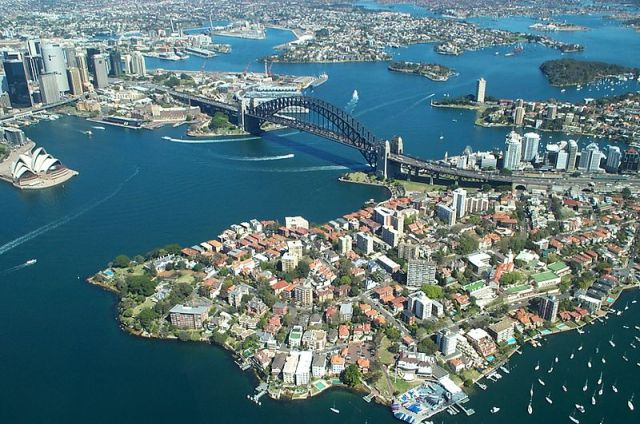 Sydney Harbour (Wikipedia)